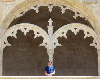 Jeronimos_lonely_tourist