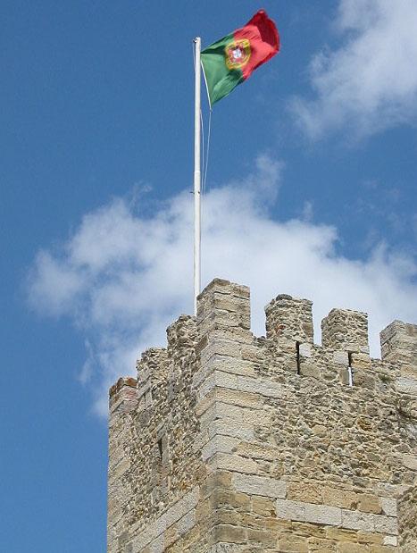 Lisboa_45_portuguese_flag_at_sjorge