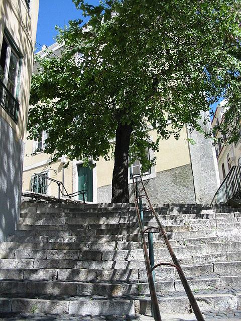 Lisboa_47_sao_mamede_stairs