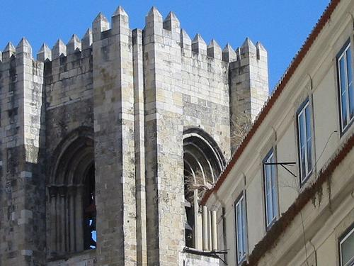 Lisboa_48_se_cathedral_towers_1